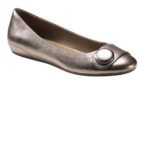 Amazon:ECCO Owando Button Flat爱步女款平跟鞋 $59.85(4.6折!)