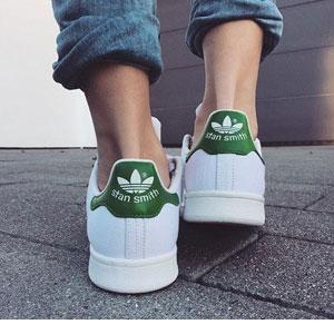 亚马逊海外购:Adidas Stan Smith 阿迪达斯三叶草 大童款 绿尾 降至¥280.25,直邮免运费,含税到手仅¥305.75
