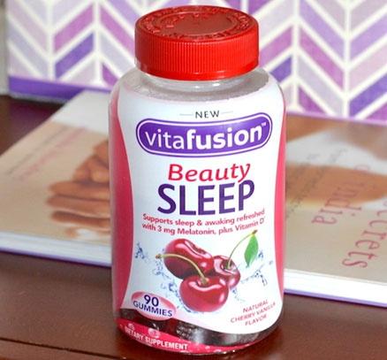亚马逊海外购:Vitafusion 美容助眠软糖 90粒 降至¥74.9,凑单免费直邮,含税到手¥84