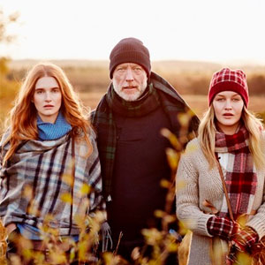 亚马逊海外购:苏格兰百年奢侈羊绒品牌 Johnstons of Elgin 英伦经典羊毛围巾 多色  镇店之宝¥599包邮包税